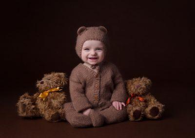baby_photographer_northampton_six_months_Miranda_Walton_Photography