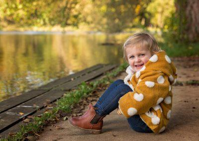 family_photographer_buckinghamshire_lake_Miranda_Walton_Photography