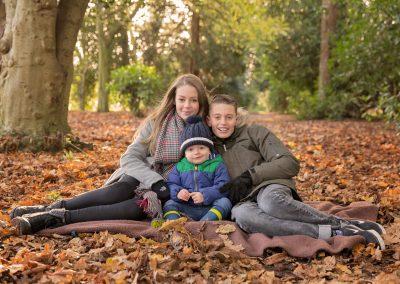 family_photographer_northamptonshire_delepre_abbey_autumn_Miranda_Walton_Photography