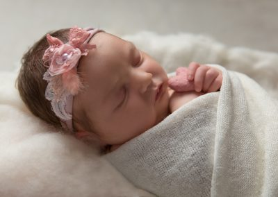 newborn_baby_photographer_towcester_girl_heart_Miranda_Walton_Photography